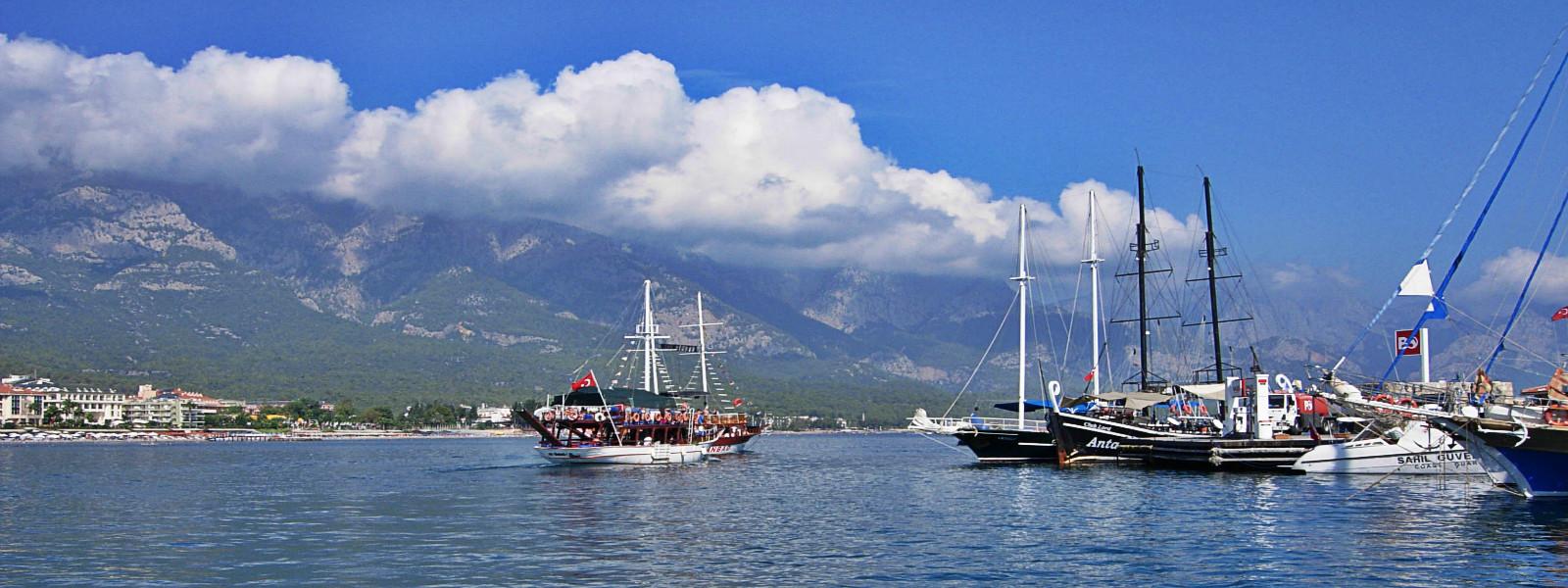 Kemer – die Perle an der mediterranen Küste der Türkei